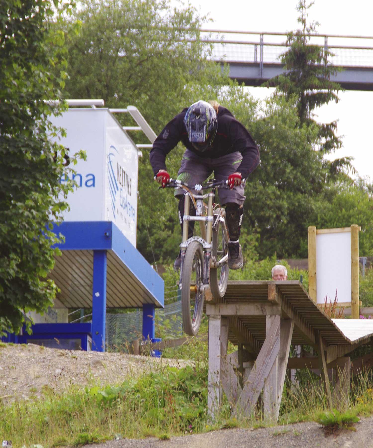 Marek downhillen M-space